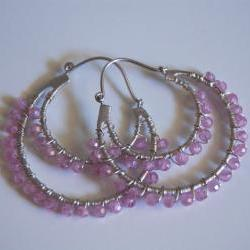 Double hoop earrings with pink quartz